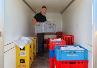 SULZ/LU 07. NOVEMBER 2015 - SERIE SEHTAL.COM BLOG: Impressionen 6. Hof-Metzgete der Familie Budliger im Bauernhof Erlosenblick Sulz/LU. Zu der laendlichen Musikunterhaltung werden Blut-,Leber- und Bratwuerste mit einer feinen Zwiebelsauce und Brot serviert. Fotos zu Projekt Sehtal (Luzerner Seetal). ths/Photo by: THOMI STUDHALTER, PHOTOS&MORE, www.studhalter.org