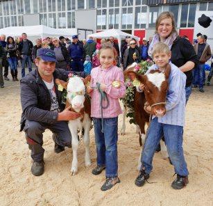 Familie Winiger aus Sulz: Impressionen Jubiläumsschau 125 Jahre Fleckviehzuchtverein Eichberg auf dem Areal der Landwirtschaftschule BBZN Hohenrain.