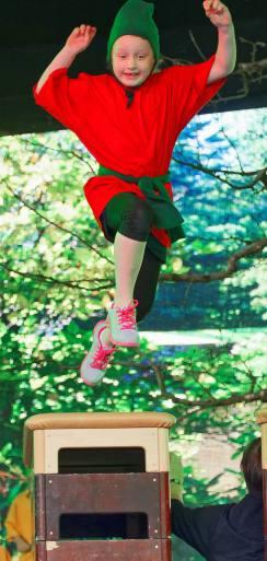 GELFINGEN/LU 22. MAI 2016 - SERIE SEHTAL.COM BLOG: Impressionen Hauptprobe zur Turnshow des STV Hitzkirch 'la terza terra' auf dem Weingut von Schloss Heidegg. Fotos zu Projekt Sehtal (Luzerner Seetal). ths/Photo by: THOMI STUDHALTER, PHOTOS&MORE, www.studhalter.org