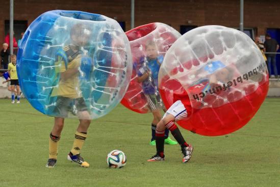 Impressionen JuniorInnen am 2. Bubble Fussball Turnier des FC Hitzkirch auf dem Sportplatz Hegler Hitzkirch.