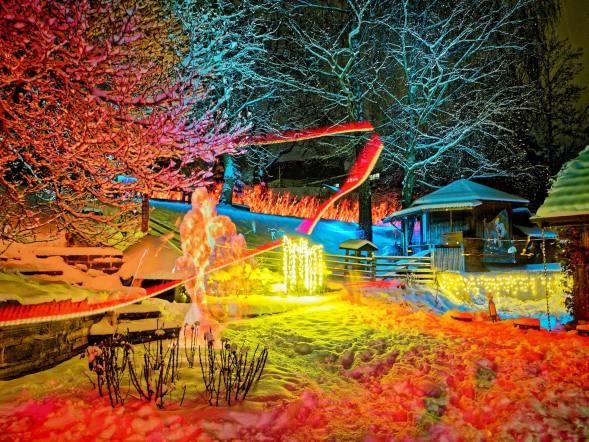 Impressionen Ligth Painting (Lichtmalen) mit Pixelstick und Taschenlampe in unserem Garten.