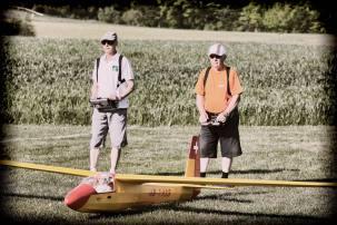 MUESWANGEN/LU 27. MAI 2017 - SERIE SEHTAL.COM BLOG: Impressionen 9. Internationales Oldtimer Segelflugtreffen auf dem Modellflugplatz Mueswangen. Teilnehmer: Piloten mit Modellsegler dessen Original aus einer Stoffbespannten Holz- oder Stahlrohrkonstruktionen gebaut ist (Alter egal) oder wenn als Gfk- oder Blechkonstruktionen gebaut das Baujahr mindestens 50 Jahre zurueck liegt. Fotos zu Projekt Sehtal (Luzerner Seetal). ths/Photo by: THOMI STUDHALTER, PHOTOS&MORE, www.studhalter.org