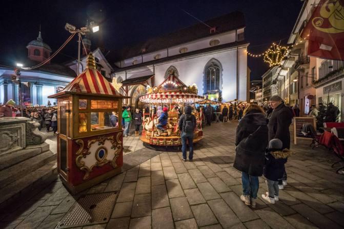 Weihnachtsmarkt rund um den Franziskanerplatz (Franziskanerkirche)