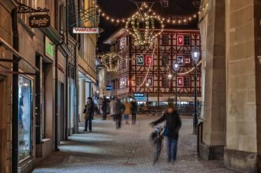 "Weihnachtsbeleuchtung Reussbrücke mit ""Spengler-Adventskalender"""