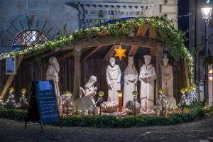 Weihnachtskrrippe auf dem Kornmarkt (vor Rathaus)