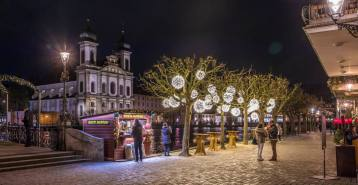 Weihnachtsbeleuchtung Unter der Egg (hinten Jesuitenkirche)