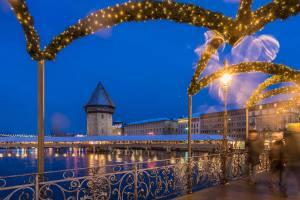 Rathaussteg mit Kapellbrücke