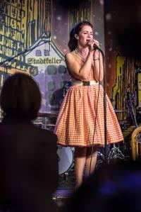 Abendessen und Konzert/Show mit Frölein da Capo und Band QUERBEET im Stadtkeller Luzern.