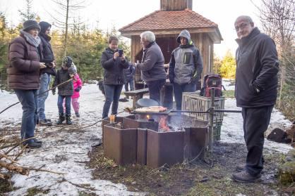 Neujahrstreff der Korporation Sulz im Sprötzehüsli (ehemaliges Feuerwehrhaus Sulz) im Sulzer Wald.