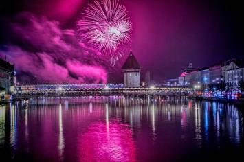 Neujahrsfeuerwerk 2018 by Thomi Studhalter