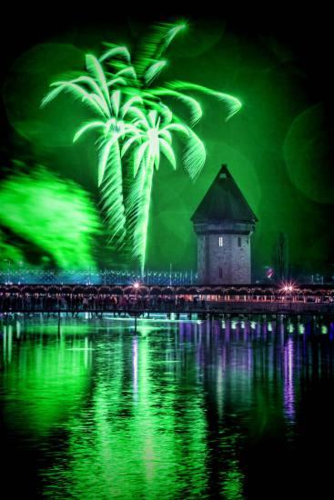 Neujahrsfeuerwerk 2018 by Esther Studhalter