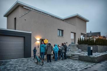 Impressionen Sternsingen Gelfingen, Hausbesuche im Dorf.