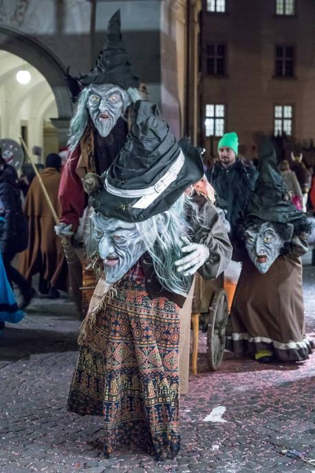 LUZERN 08. FEBRUAR 2018 - LUZERNER FASNACHT 2018: Impressionen Luzerner Fasnacht 2018, Schmutziger Donnerstag SchmuDo. ths/Photo by: ESTHER STUDHALTER, www.studhalter.org
