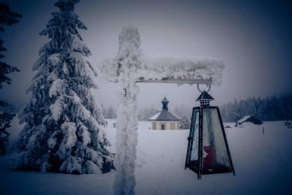 Winterwanderweg im tiefverschneiten und kalten (-9Grad) Schwendi-Kaltbad Glaubenberg/OW.