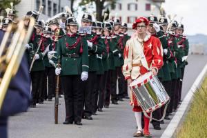 Freauen an die Waffen: Harmoniemusik Sempach...